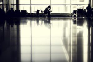 Flughafen warten Langeweile